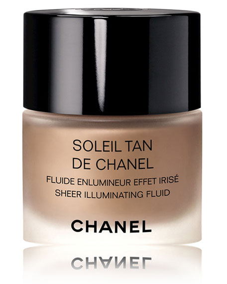<b>SOLEIL TAN DE CHANEL</b><br>Sheer Illuminating Fluid<br><b>2017 InStyle Award Winner</b>