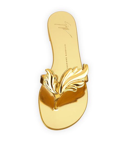 Flame Metallic Flat Thong Sandal, Oro (Gold)