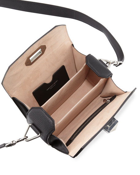 Box Bag 19 Shoulder Bag