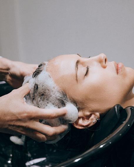 Revitalizing Smoothing Shampoo with Macadamia Oil, 6.7 oz./ 200 mL
