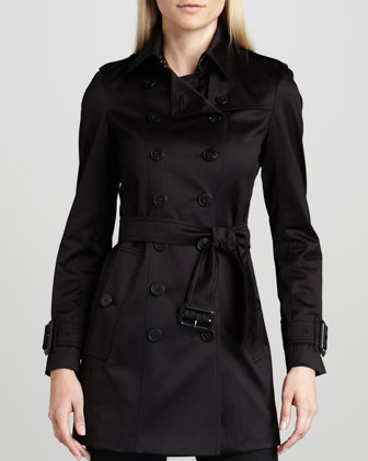 Sateen Trenchcoat & Rinsed Black Jeans