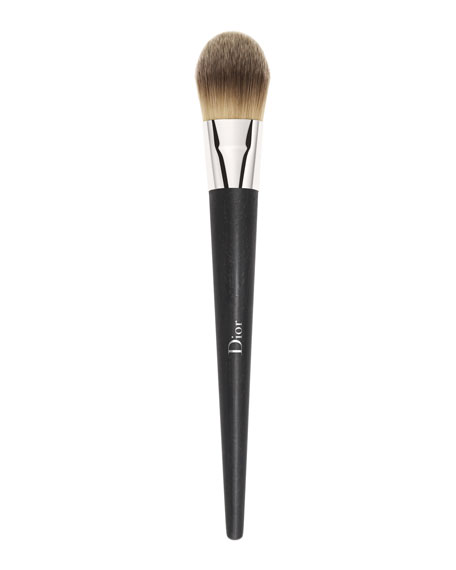 Light Coverage Fluid Brush