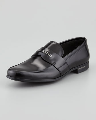 Logo-Inset Leather Loafer