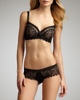 Wacoal Captivation Underwire Bra & Hipster Briefs