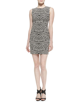 Pentra Sleeveless No-Seam Dress