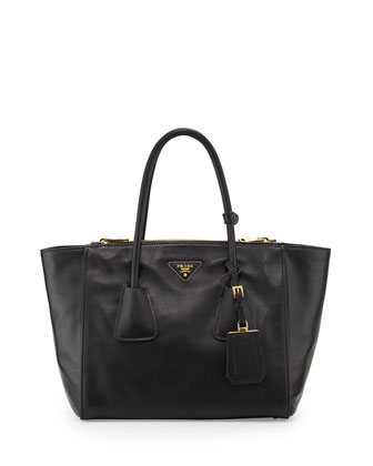 Vitello Twin Pocket Tote Bag, Black (Nero)