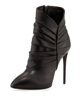 Pleated Peak Leather Bootie, Nero
