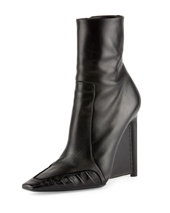 Alligator-Trim Leather Ankle Boot, Noir